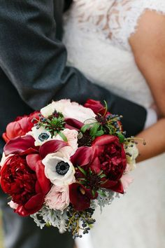 Single Peony Bloom Bouquets for Your Romantic Wedding