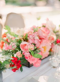 Photography: Lisa Lefkowitz - lisalefkowitz.com  Read More: http://www.stylemepretty.com/2014/03/24/elegant-picnic-wedding-with-a-fresh-color-palette/