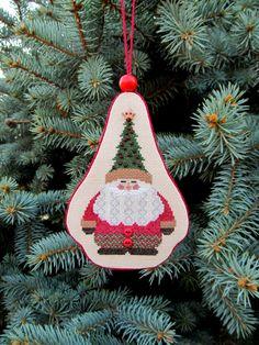 По неизведанным дорожкам...: Santa wiht Tree Hat (ДедЕлка).