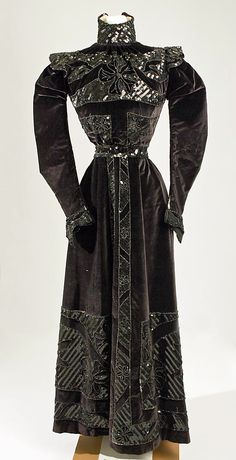 """Dress, Walking. Date: 1885–90 Culture: American (probably) Medium: silk, metallic thread Dimensions: Length at CB: 56 1/2 in. (143.5 cm) VIEW ONE"