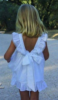 Blanco verano Little Girl Fashion, Little Girl Dresses, Kids Fashion, Girls Dresses, Flower Girl Dresses, Gaucho, Baby Sewing, Kids Wear, Baby Dress