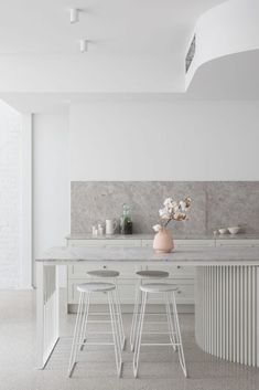 The latest in Minimalist interior design. See what perfect minimalist interior design looks like with these inspiring examples. Modern Kitchen Interiors, Home Decor Kitchen, Interior Design Kitchen, Home Kitchens, Interior Decorating, Kitchen Ideas, Interior Design Simple, White Kitchen Interior, Kitchen Modern
