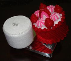Trinket Box for Holiday -Felt Food Strawberry cake-Jewelry Box -Valentine ring box -Jewellery storage-Holiday gift