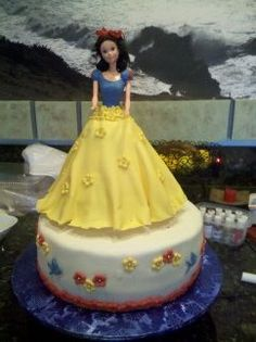 Snow White Fondant Cake