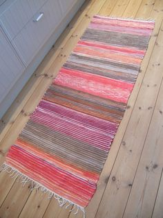 Page not found - Rugs Of Sweden - vintage rag rugs Loom Weaving, Tapestry Weaving, Scandinavian Rugs, Rag Rugs, Recycled Fabric, Woven Rug, Wall Hangings, Carpets, Knits
