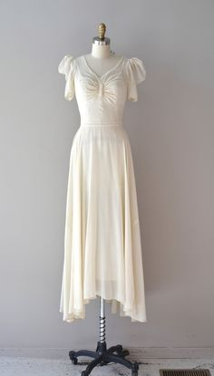 1930s wedding dress, shorten the hemline, great summer dress