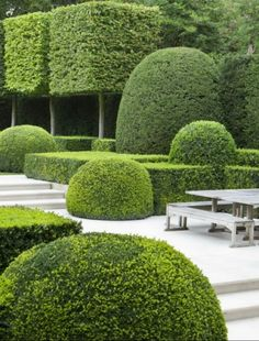 Looking For Easy Landscaping Tips? Modern Landscape Design, Garden Landscape Design, Modern Landscaping, Landscape Architecture, Backyard Landscaping, Landscaping Design, Garden Hedges, Topiary Garden, Formal Gardens