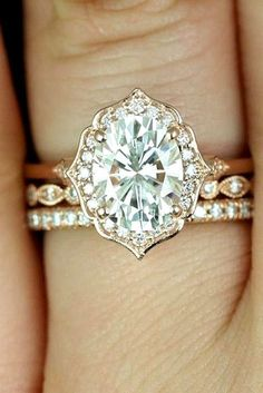 The Best Breathtaking Vintage Engagement Rings Collections (49)