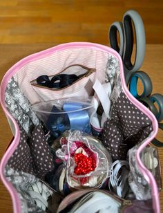 DSC_0173 Lunch Box, Diy, Mavis, Hair Style, Sewing Crafts, Handbag Organizer, Style Hair, Bricolage