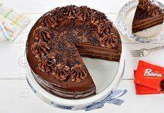 Tort amandina / Tortul copilariei (CC Eng Sub) Romanian Desserts, Romanian Food, Holiday Recipes, Great Recipes, Favorite Recipes, No Bake Desserts, Dessert Recipes, Good Food, Yummy Food