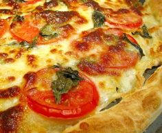 Quick and Easy Dinners: Pizza - Green Panda Treehouse Healthy Homemade Pizza, Easy Healthy Recipes, Healthy Cooking, Easy Meals, Healthy Pizza, Healthy Meals, Healthy Eating, Recipes Appetizers And Snacks, Pizza Recipes