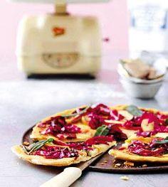 Rezept: Käsepizza mit Apfel, Radicchio und Salbei