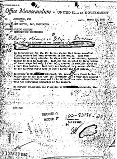 Proof of Alien life? A copy of the 1950 memo that recounts the discovery of flying saucers and aliens in New Mexico. The memo has been published on the FBI website. Les Aliens, Aliens And Ufos, Ancient Aliens, Unexplained Mysteries, Unexplained Phenomena, Alien Theories, Conspiracy Theories, Alien Proof, Proof Of Aliens