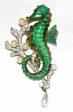 Vintage Trifari Seahorse Brooch Green Enamel Rhinestones Pearls