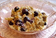 BAKED OATMEAL with BLUEBERRIES  Per Serving: Calories 126; Protein 6 g; Fat 3 g; Carbs 17g; Sugar 6 g; Sodium 25 mg
