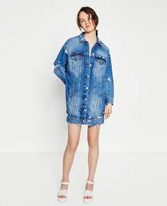 Image 1 de BLOUSON EN JEAN LONG de Zara