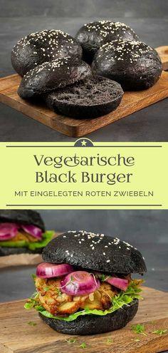 Burger ist für jeden ein schmackhaftes Erlebnis. Hier habe ich für dich ein fleischloses Rezept mit schwarzen selbstgebackenen Buns. Die Füllung ist aus Rosenkohl-Kartoffel-Patties mit einem leckeren Topping aus eingelegten roten Zwiebeln. Probier ihn unbedingt mal aus! #rezept #gemüse #backen #gesund #lecker #einekleinepriseanna