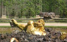 Mitologia - La Sicilia ed il gigante Encelado Questa azione viene chiamata Gigantomachia che altro non è se non l'avvincente battaglia tra i Giganti e gli dei dell'Olimpo e che ci porge l'occasione per raccontare dello scontro tra la dea Atena e #atena #encelado #giganti #mitologia