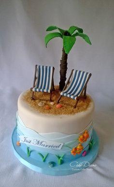 Briton's beach groom's cake