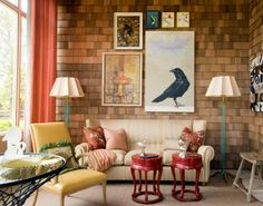 Sweet vintage styleiLove that wall and the art!