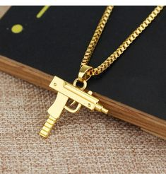 Free Gold Chain with any Purchase – CLOUT COLLECTION Men Necklace, Pendant Necklace, Brass Pendant, Mode Hip Hop, Fine Jewelry, Women Jewelry, Gold Jewelry, Jewelery, Chain Pendants