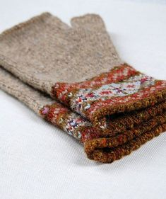 Ravelry: Grey Fair Isle Mitts pattern by Helen Gray Designs Fingerless Gloves Knitted, Knit Mittens, Knitted Hats, Fair Isle Knitting, Hand Knitting, Knitting Patterns, Fair Isle Pattern, Wrist Warmers, Knitting Projects