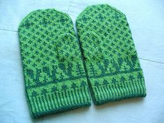 slightly more descriptive pattern than the dala selbu mittens; good reference material for this beginner