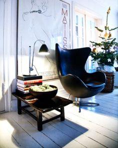 Ledersessel - in Ei-Form von Arne Jacobsen https://modecor.com/Arne-Jacobsen-Egg-Chair-mit-schwarzem-Leder