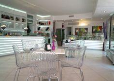 NAIF, Café Crème glacée Pàtisserie - Copertino (LE) http://www.salentomonamour.com/scheda_attivita.php?id=114=*=Coffee%20&%20Lounge=*