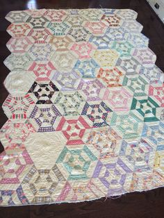 Vintage Handmade Quilt, Multicolored, Light Yellow Backing, Scalloped Edges, Blanket/Throw by eddysmercantile on Etsy