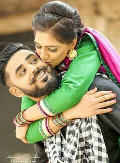 Punjabi Wedding Couple, Indian Wedding Couple Photography, Punjabi Couple, Wedding Couple Poses Photography, Couple Photoshoot Poses, Wedding Photoshoot, Wedding Couples, Photoshoot Vintage, Bridal Photography