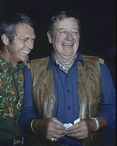 Steve McQueen and John Wayne attend a lavish party in Both stars, who jockeyed for most paid actor status in Hollywood during the supported the Republican party. John Wayne Quotes, John Wayne Movies, Hollywood Stars, Classic Hollywood, Old Hollywood, Steeve Mac Queen, Franck Sinatra, Steven Mcqueen, Clint Walker