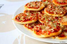 Rakkauteni leipomiseen: Pikkupizzat tai pizzarullat Mediterranean Garden Design, Vegetable Pizza, Food Inspiration, Cauliflower, Vegetables, Ethnic Recipes, Star Wars, Life, Cauliflowers