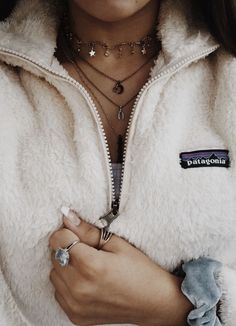 Trendy How To Wear Necklaces Ideas Beautiful Ideas Diy Outfits, Mode Outfits, Fall Outfits, Casual Outfits, Preppy Winter Outfits, Casual Winter, School Outfits, Casual Wear, Cute Fashion