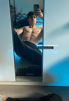 Rafael Miller, Hot Men Bodies, Mens Photoshoot Poses, Abs Boys, Abs Workout Routines, Boy Photography Poses, Cute Gay Couples, Hommes Sexy, Books For Teens