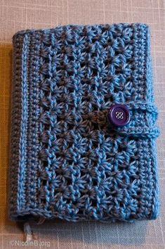 Gehaekelte Buchhuelle   Fuer Anleitung auf das Bild klicken. Crochet Book cover