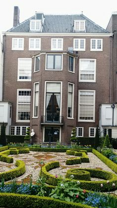 Museum Willet Holthuysen, Herengracht 605 in Amsterdam, geeft beeld van het leven in een grachtenpand in de 18de en 19de eeuw.
