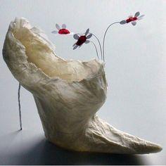 Violise Lunn, a danish fashion designer Paper Shoes Fairy Shoes, Paper Shoes, Fairy Clothes, Paper Fashion, Unusual Art, Paperclay, Unique Shoes, Shoe Art, Crazy Shoes