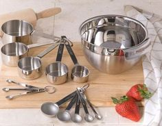 Bake something sweet with our stainless steel measuring kit. #AnnasLinens #Bake