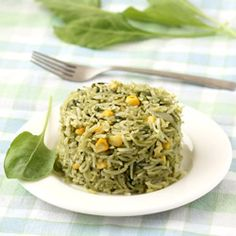 Palak Pulao (Indian Style Spinach Rice with Sweet Corn) - Easy and Healthy Rice Dish to Pack in the Office Lunchbox or Kids Lunchbox - It can also be served with plain curd (yogurt) in the dinner. - Step by Step Photo Recipe Rice Recipes, Indian Food Recipes, Dinner Recipes, Cooking Recipes, Ethnic Recipes, Cooking Rice, Vegetarian Rice Dishes, Vegetarian Recipes, Gourmet
