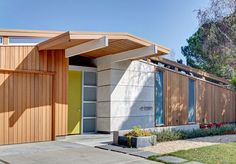 A California Modern home built by Joseph Eichler- M110 Architecture