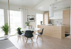 Asuntomessut 2017: Muuramen Helmi Home Decor Kitchen, Kitchen Interior, New Kitchen, Kitchen Design, Rooms Ideas, Home Ceiling, Living Styles, Scandinavian Interior, Interiores Design