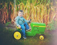 www.rockpaperpictures.net | Two Year Old Birthday Pose | Iowa Boy on John Deere ride-on Antique