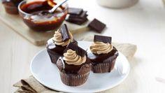 Čokoládové cupcakes s karamelovým krémom