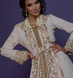 Oriental Fashion, Indian Fashion, Choice Fashion, Mode Abaya, Elie Saab Couture, Moroccan Caftan, Caftan Dress, Traditional Outfits, Pretty Outfits