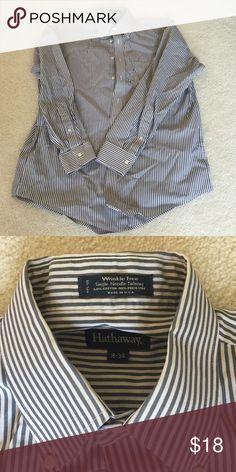 Men's gray/white striped dress shirt Wrinkle free HC Hathaway Shirts Casual Button Down Shirts