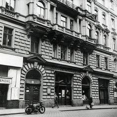 Sigmund Freud, Berg, Big Ben, Building, Travel, London, Viajes, Buildings, Destinations
