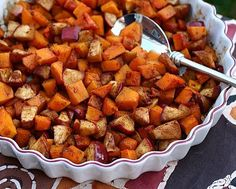 Familiar ingredients somehow create unexpected layers of flavor and color. Festive for holiday buffets and tables. Recipe for Roasted Butternut Squash & Apple © Kitchen Parade. Butternut Squash Apple Recipe, Roasted Butternut Squash, Baked Squash, Squash Recipe, Roasted Apples, Baked Apples, Vegetable Dishes, Vegetable Recipes, Thanksgiving Vegetables