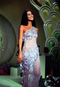 look Cher Show Opening number 70s Outfits, Fashion Outfits, Fashion Ideas, 70s Fashion, Look Fashion, Vintage Fashion, Fashion Black, Mode Disco, Disco 70s