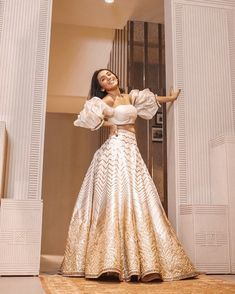 Top bridesmaids looks to steal from Masoom Minawala Mehta - SetMyWed Indian Bridal Outfits, Indian Designer Outfits, Indian Wedding Gowns, Bride Indian, Indian Lehenga, Shaadi Lehenga, Sabyasachi, Designer Bridal Lehenga, Lehenga Designs